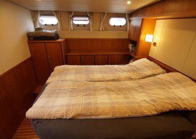 linssen-grand-sturdy-410-schlafzimmer-seitlich