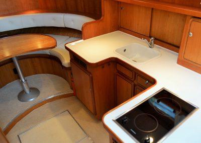 Linssen Yacht 34HT Pantry