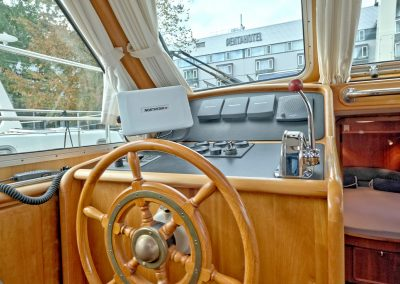 Linssen Grand Sturdy 380 Sedan Pollux Steuerstand